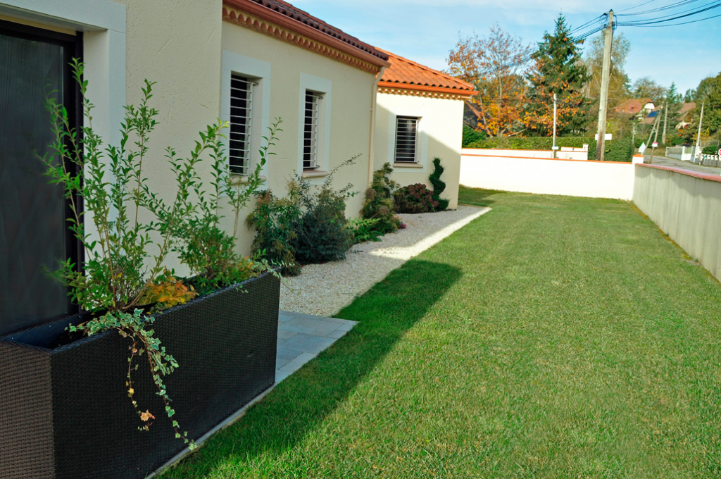 D coration jardin devant maison d co sphair for Decoration jardin devant maison