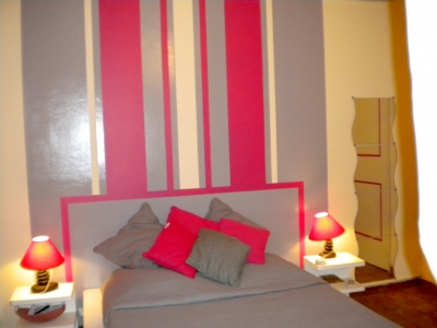 inspiration d co chambre gris fuchsia. Black Bedroom Furniture Sets. Home Design Ideas