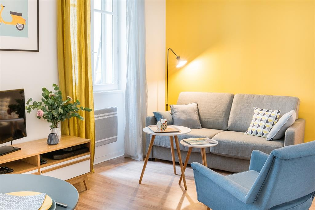 Astuces décoration salon jaune moutarde