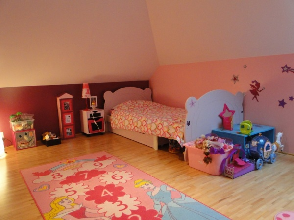 chambre enfant 5 ans refaire une chambre ct maison. Black Bedroom Furniture Sets. Home Design Ideas