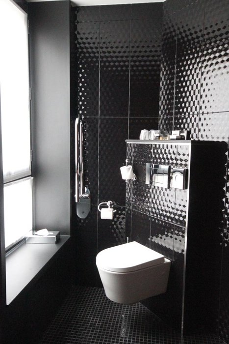 d co toilettes noir. Black Bedroom Furniture Sets. Home Design Ideas